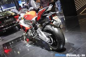 bmw s1000rr india bmw s1000xr s1000rr showcased at 2016 auto expo live