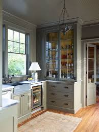 can cabinets be same color as walls pin on kitchen envy