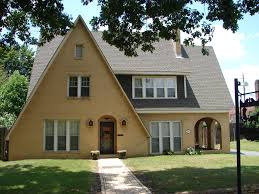 1950 Style Homes Incredible Ranch Homes With Wooden Pillars Combined Twin Dormer