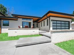 small modern ranch homes modern rancher house plans best ranch house barn home farmhouse