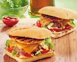 cuisiner poitrine de porc cheeseburger à la poitrine de porc fumée recette tefal