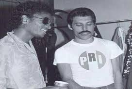 Freddie Mercury Meme - candidato del pri comparte meme de freddie mercury con playera del