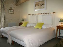 homelidays chambre d hotes la maricé chambre d hôtes au pays du futuroscope amberre