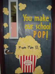 Door Decorations For The New Year by Best 25 Door Decorations Ideas On Pinterest Class Door