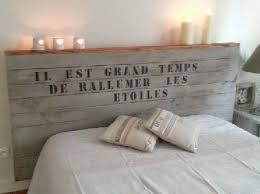 pochoir chambre tête de lit originale en bois et pochoir