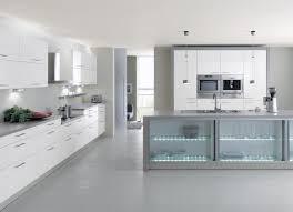 cuisines blanches cuisines blanches modernes tabourets de bar carrés noirs cercle