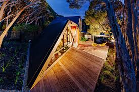 Home Design Magazine Au Cabin 2 A Contemporary Small Retreat By Maddison Architects House
