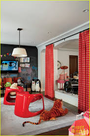 Khloe Kardashian Kitchen by Kourtney U0026 Khloe Kardashian Show Off Their Homes In U0027architectural
