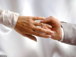 wedding rings on why wear wedding ring on their left ring finger