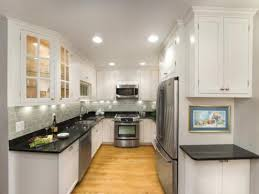 White Shaker Kitchen Cabinets With Black Countertops Redtinku - Shaker white kitchen cabinets
