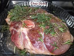 cuisiner rouelle de porc rouelle de porc en cocotte au four pleurottes en persillade