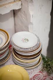 mismatched plates wedding lace and likes mismatched china
