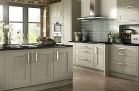 meuble cuisine vert cuisine verte 60 photos et conseils déco pour une cuisine pleine