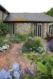 25 beautiful small courtyard gardens ideas on pinterest small