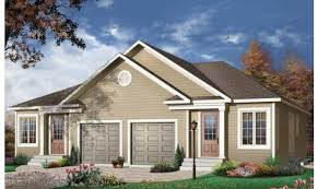 Bungalow House Plans At Eplans by 9 Decorative Duplex Plans With Garage In Middle House Plans 20342