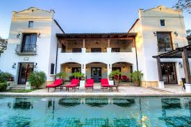 luxurious 7 000 sq ft mansion steps homeaway tamarindo