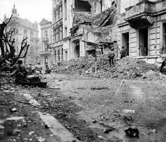g i s from the 1st inf div battle through central aachen on