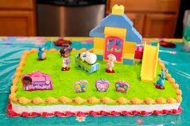 doc mcstuffins birthday cake avery s doc mcstuffins party ideas diy tip junkie