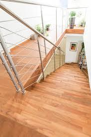 buche treppe treppe mit unterbau stufen und setzstufen in holz buche