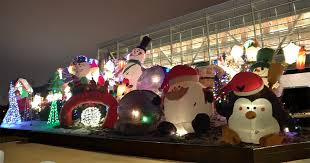 christmas inflatables clinton library to unveil the worlds largest christmas