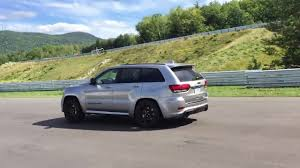 green jeep grand cherokee 2018 jeep grand cherokee trackhawk 0 100 km h the car guide