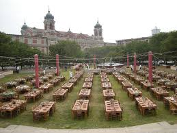 rustic wedding venues island you can a rustic wedding on ellis island hill