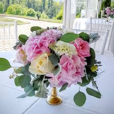 Cheapest Flowers For Centerpieces by Affordable Wedding Flowers Wedding Florist