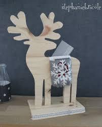 diy calendrier avent un renne en bois chargé de messages craft