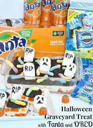 halloween graveyard treat with fanta and oreo organized 31