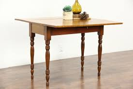 tiger or curly maple antique 1840 dropleaf breakfast or sofa table