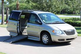 chrysler minivan wheelchair van handicap ramp van braun mobility 2005 chrysler town