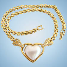 gold tone chain necklace images Vintage trifari tm faux pearl heart necklace with gold tone chain jpg
