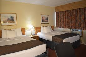 Double Bed by 2 Double Beds Country Squire Resort Gananoque 1000 Islands Hotel