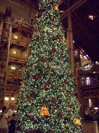 When Is Disney Decorated For Christmas Walt Disney World At Christmas Time Planning Time For Decoration