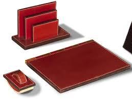 n essaire de bureau hermes nécessaire de bureau trois pièces en cuir bordeaux