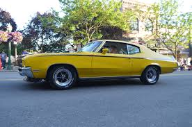 Buick Muscle Cars - yellow has always been the best color for a buick gsx
