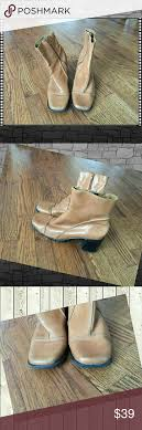 look womens boots size 9 sz 9 clarks camel leather womens boots boots look