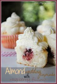 wedding cake fillings almond wedding cake cupcakes with raspberry filling shugary