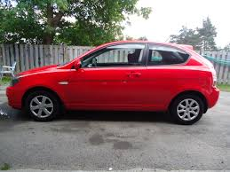 hatchback hyundai accent 2004 hyundai accent gs 4 dr hatchback 7 bob currie auto sales