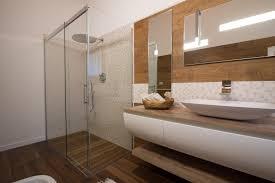 italian bathrooms 10 un bagno rustico contemporaneo legno