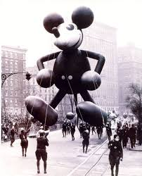 real thanksgiving nine decades of macy u0027s thanksgiving day parade in photos curbed ny
