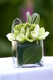 White Floral Arrangements Centerpieces by Best 25 Small Flower Arrangements Ideas On Pinterest Table