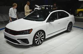 car volkswagen passat vw passat gt concept brings near r potential to family sedan