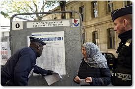 image bureau de vote inclip เล อกต งประธานาธ บด ฝร งเศส ใช กำล งตำรวจทหารไม ต ำกว า