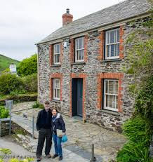 Portwenn England Map by Pam U0026 I In Front Of Doc Martin U0027s Surgery Port Isaac Cor U2026 Flickr