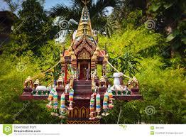 ein buddhistischer altar als deko von torafu architects u2013 menerima