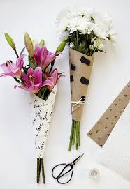 paper wrapped flowers 10 diy ways to wrap a flower bouquet for a gift shelterness