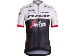 a guide to stylish cycling jackets ss 2015 professional cycling team wear trek bikes gb