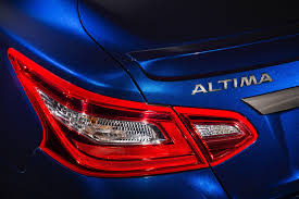 nissan altima 2016 sr 2 5 2016 nissan altima revealed in full claims 39 mpg rating