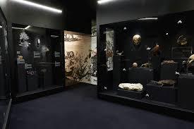 la chambre des dans la chambre des merveilles lyon senography exhibition